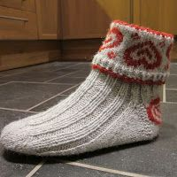 Ideas For Knitting Mittens Pattern Projects Crochet Socks, Knitted Slippers, Knit Mittens, Knitting Socks, Free Knitting, Knit Socks, Crochet Cats, Crochet Birds, Crochet Food
