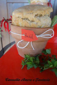 Pane cotto nei vasi di terracotta - Idea per il natale