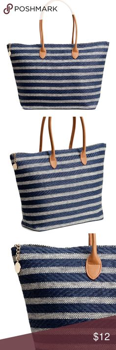 H&M Striped Tote Shopper in paper straw with two faux leather handles and a zip at top. Two smaller inner compartments. Lined. Size 5 x 13 3/4 x 20 1/2 in.  USED ONCE! Perfect condition. H&M Bags Totes