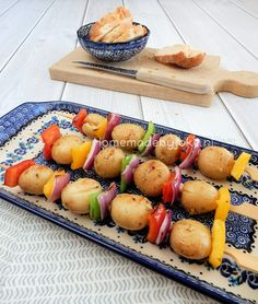 Potato skewers with vegetables for the barbecue / Aardappelspiesjes met groente voor op de barbecue Small Bbq, Seafood Diet, Bbq Skewers, Weber Bbq, Barbecue Recipes, Bbq Grill, High Tea, Vegetable Recipes, I Foods