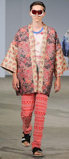 See all the Collection photos from Walter Van Beirendonck Spring/Summer 2015 Menswear now on British Vogue Nomad Fashion, Kimono Fashion, Fashion Week, Runway Fashion, Fashion Show, Mens Fashion, Fashion Design, Fashion Styles, High Fashion