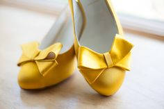 yellow toe bows Photography by steviebphotography.com, Floral Design by passionflowerevents.com