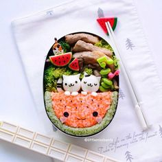 [Bento Foodart] Haven't bento for a while so today I made lunch! 🍉Summer inspired #kyaraben with little kitties!  Did you catch my IG live short clip to make the kitties?  Watermelon riceball is made from mixing rice with ebikko and green tea furikake.  今日の昼ご飯です(灬ºωº灬)♥ かわいいスイカのキャラ弁だよ🍉  IGのライフビデオを見たんですか?えへへ  エビっこ🦐🍙と抹茶ふりかけを使って、スイカのおにぎりを作りました。  #littlemissbento #bento #lunchbox #charaben #watermelon #edibleart #foodart #funfood