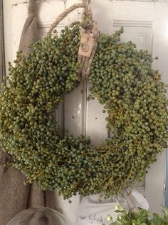 Wreath of Date Branches . - Brigitte Vietz - # Date Branches # Wreath # ., Wreath of Date Branches . - Brigitte Vietz - # Date Branches # Wreath Wreaths And Garlands, Door Wreaths, Diy Wreath, Grapevine Wreath, Christmas Wreaths, Christmas Decorations, Holiday Decor, Color Style, Magnolia Wreath
