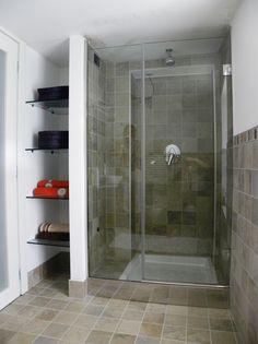 Ristrutturazione arredo piano mansardato - Particolare doccia bagno ragazzi - Maria Teresa Azzola Designer - Ca' Morone Brembilla (BG) 2014