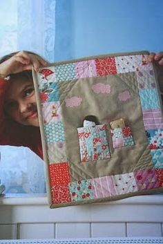"Doll quilt by Aneela Hoey, featured in ""Pretty in Patchwork Doll Quilts"" by Cathy Gaubert Quilt Baby, Small Quilts, Mini Quilts, Patchwork Original, Quilting Projects, Sewing Projects, Doll Quilt, Doll Bedding, Doll Beds"