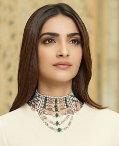 Bollywood Style, Bollywood Girls, Bollywood Fashion, Bollywood Actress, Sonam Kapoor Cannes, Girl Pictures, Actresses, Blouse, Book