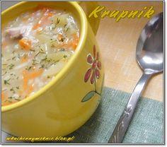Krupnik to jedna z ulubionych zup moich najbliższych. Szybko znika z talerzy, z garnka również. Chętnie gotuję krupnik bo ta zupa rzec by można gotuje się sama.