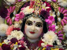 http://harekrishnawallpapers.com/sri-radha-close-up-wallpaper-006-vrindavan/