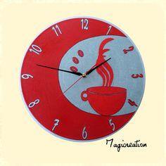 horloge sur vinyl 33 tours café fumant en rouge et argent
