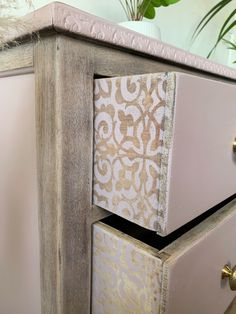 Diy Furniture Projects, Repurposed Furniture, Furniture Makeover, Vintage Furniture, Wood Projects, Painted Furniture, Chalk Paint Techniques, Patterned Furniture, Vintage Drawers