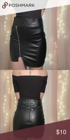 NWOT Faux leather mini skirt size SMALL New without tags leather skirt with zipper on the side Skirts Mini