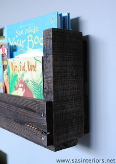 How-To Make a Pallet Bookshelf