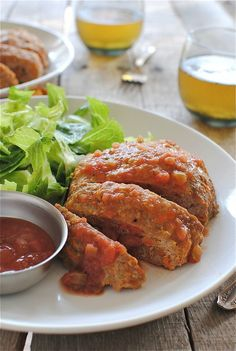 {mexican turkey meatloaf} i just love all things mexican, meatloaf will not be the exception. Turkey Dishes, Turkey Recipes, Meat Recipes, Mexican Food Recipes, Chicken Recipes, Dinner Recipes, Cooking Recipes, Healthy Recipes, Mexican Meatloaf