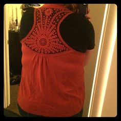 Lace back detail rust orange cover up SONOMA sleeveless Lace back detail rust orange cover up. Soft flowy and comfortable. Pairs great with a tank in the summer or a long sleeve in the cold months. The detail on back is gorgeous!!! Sonoma Jackets & Coats Vests
