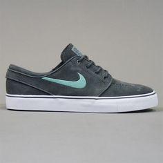 Nike Zoom Stefan Janoski Shoes - Dark Grey and Medium Mint