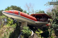Crazy!  If I have fantasies about the Mile High Club this is perfect. 727 Fuselage Home in Manuel Antonio