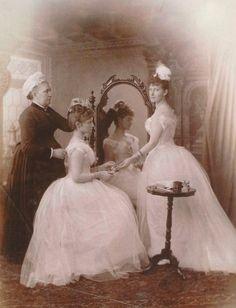 Empress Alexandra Feodorovna and Grand Duchess Elizabeth Feodorovna, 1888