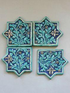 Clay Tiles, Mosaic Tiles, Turkish Plates, Arabesque Pattern, Islamic Patterns, Arch Interior, Antique Tiles, Simple Art, Islamic Art
