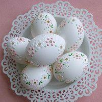 Velikonoce / Zboží prodejce Lea.1 | Fler.cz Egg Shell Art, Dremel, Dot Art Painting, Egg Designs, Egg Art, Egg Decorating, Diy Projects To Try, Easter Crafts, Happy Easter