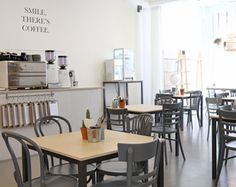 Until a few weeks ago when KEET opened its doors close to shopping street Meent. KEET sells shelves and tables to young designers who like...