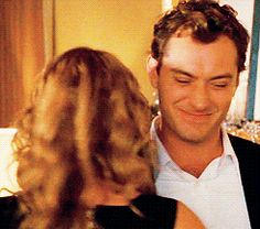 Jude Law and Kate Winslet's brother sister relationship is the best. Artist Aesthetic, Aesthetic Movies, Movie Gifs, Movie Tv, Brother And Sister Relationship, Brother Sister, Jude Low, Love Actually, Chick Flicks