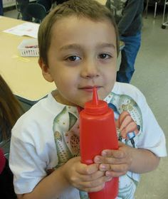 It's Carolyn from Kindergarten: Holding Hands & Sticking Together . Today I am going to share the way I teach The Five Senses. Five Senses Kindergarten, Kindergarten Science, Preschool Themes, Preschool Classroom, Classroom Ideas, Senses Activities, Activities For Kids, Ketchup Bottles, August Themes