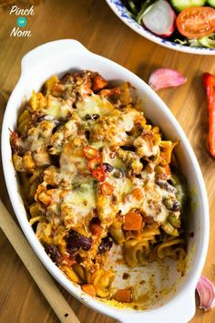 Chilli Pasta Bake - Pinch Of Nom Slimming Recipes Baked Pasta Recipes, Pasta Dinner Recipes, Cooking Recipes, Salad Recipes, Slimming World Pasta Bake, Slimming World Recipes Syn Free, Slimming World Minced Beef Recipes, Super Healthy Recipes, Healthy Breakfast Recipes