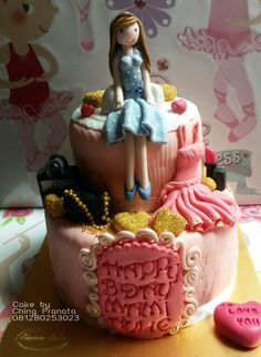 Birthday cake for  a lady by Ching Pranata