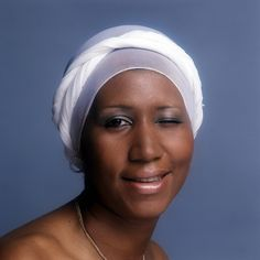 """Aretha Franklin photo shoot for the 1976 album """"Sparkle"""" Marie Curie, James Dean, Steve Jobs, Mahatma Gandhi, Audrey Hepburn, Special Pictures, Aretha Franklin, My Black Is Beautiful, African American History"""