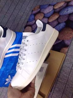 Adidas Stan smith#Men and Women fashion shoes# women brand shoes# Women fashion running shoes #email me at phoebe0102@outlook.com #