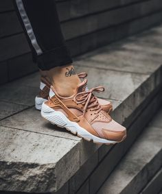"Nike Air Huarache Run ""Dusted Clay"""
