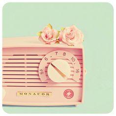 Comece a semana bem. Ouça uma boa música! #meninadecetimblog