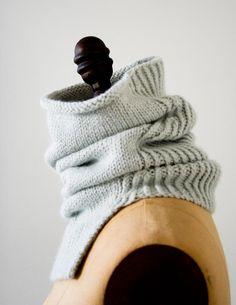 Alpaca Cowl in Purl Soho's New Alpaca Pure! Laura's Loop: Structured Alpaca Cowl in Purl Soho's New Alpaca Pure!Laura's Loop: Structured Alpaca Cowl in Purl Soho's New Alpaca Pure! Knit Cowl, Knitted Shawls, Crochet Shawl, Knit Crochet, Cowl Scarf, Rib Knit, Crochet Baby, Knitting Stitches, Knitting Patterns Free