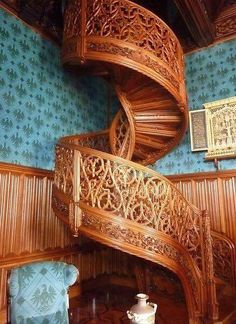 Wood Spiral Staircase, Lednice, Czech Republic photo via alberto The well-maintained partner to my derelict spiral staircase pin. Prague Czech Republic, Wooden Stairs, Wood Staircase, Easy Wood Projects, Diy Furniture Plans, Wood Furniture, Stairway To Heaven, Wood Plans, Interior Exterior