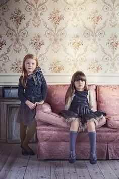 Стильная и оригинальная детская одежда под брендом MarMar Copenhagen была создана в 2007 году для мальчиков и девочек от шести месяцев до двенадцати лет.Дизайнер бренда Marlene Anine Holmboe создает одежду, коллекции которой отличаются уникальным стилем и позволяют носить ее в самых разных ситуац