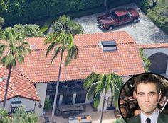 """No domingo (26) o Eonline fez um post sobre o rumor de separação de Robsten e agregou as informações já conhecidas uma suposta nova foto da casa de Rob, onde podemos ver o carro dele estacionado. Infelizmente não há como comprovar a data da imagem, mas, de acordo com a manchete da matéria """"Robert Pattinson se muda de volta para casa depois de se separar de Kristen Stewart. :.((((((((((((((((((((("""