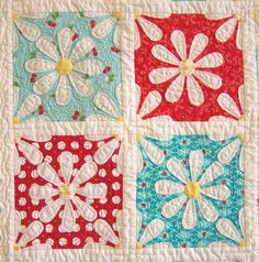 adorable red & aqua daisy quilt