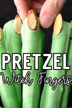 Large pretzels covered in white candy coating that just happen to look like witch fingers. They're very easy to make and perfect for any witchy party! Halloween Desserts, Comida De Halloween Ideas, Postres Halloween, Recetas Halloween, Halloween Snacks For Kids, Hallowen Food, Halloween Appetizers, Halloween Dinner, Halloween Goodies