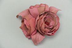Handgemachte Autoren Brosche Blume aus Textil für Frauen in Batik Technik in Antiquitäten & Kunst, Antikschmuck, Schmuck & Accessoires, Anhänger   eBay