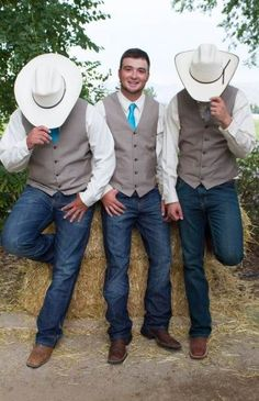 Ideas Wedding Country Groomsmen Cowboy Hats A country wedding and reception design is Jeans Wedding, Cowgirl Wedding, Wedding Men, Wedding Suits, Wedding Ideas, Men Wedding Attire, Wedding Trends, Dream Wedding, Wedding Pictures