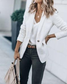 40 Outstanding Casual Outfits To Fall In Love With: Casual outfits for spring & fall to get inspired by! If you're looking for causal outfit inspiration, casual everyday outfits and fashion ideas, these 40 beautiful outfits. Cute Blazer Outfits, Outfits With Hats, Mode Outfits, Black Outfits, Jean Outfits, Dress Outfits, Outfits With White Blazer, Dinner Outfits, Work Dresses