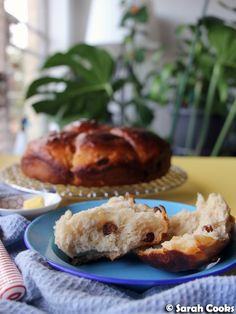 These buns are super soft and fluffy thanks to the magic of tangzhong, and are studded with sweet and juicy raisins. Milk Roll, Milk Bun, Red Miso, Candied Orange Peel, British Bake Off, King Arthur Flour, Cake Tins, Nigella, Rolls Recipe