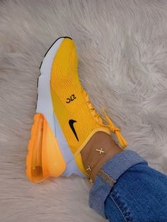 – # – Related posts: 28 jolies chaussures à porter Nike Air Max 270 SE – Nike tekno – # Nike Airforce Sneakers of the Month Yellow Sneakers, Yellow Nikes, Cute Sneakers, Shoes Sneakers, Ladies Sneakers, Kicks Shoes, Burgundy Sneakers, Mcqueen Sneakers, Colorful Sneakers