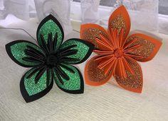 Sneak peek! Halloween decoration themed flowers #halloween #flowers #halloweenflowers #sparkle #glitter #paper #paperflowers #foreverpaperflowers #handmade #unique #worldwideshipping #alternative #bouquet #bridal