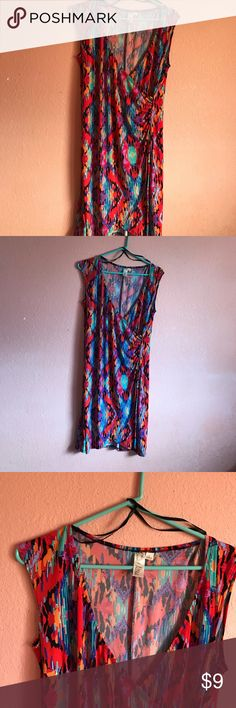 Vibrant Dress Beautiful Vibrant colored Dress. Emma Michelle Brand. Used, but in excellent condition. Inner Blouse or camisole would need to be worn with this dress. Soft material. Good for work or business. emma michelle Dresses