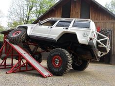 Articulation Old Jeep, Jeep 4x4, Jeep Truck, Jeep Camping, Motorcycle Camping, Lifted Xj, Raiders, Jeep Xj Mods, Badass Jeep