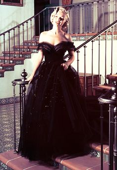 She selected a cloud of black tulle from the 20th Century Fox wardrobe department for the 23rd Annual Academy Awards.
