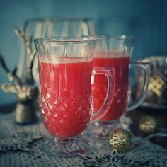Kuohkeat vaniljamuffinssit nopeasti - Piparkakkutalon Akka Moscow Mule Mugs, Alcoholic Drinks, Tableware, Glass, Food, Instagram, Dinnerware, Drinkware, Tablewares