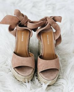 Best 10 sandals Cute comfortable strappy gladiator leather wedge sandals chunky flatform jamaica lace up boho espadrilles sandals Cute Shoes, Me Too Shoes, Trendy Shoes, Shoe Boots, Shoes Heels, Sock Shoes, Ankle Strap Heels, Suede Heels, Shoes Sneakers